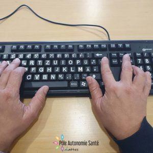Autocollants caractères de clavier grossis